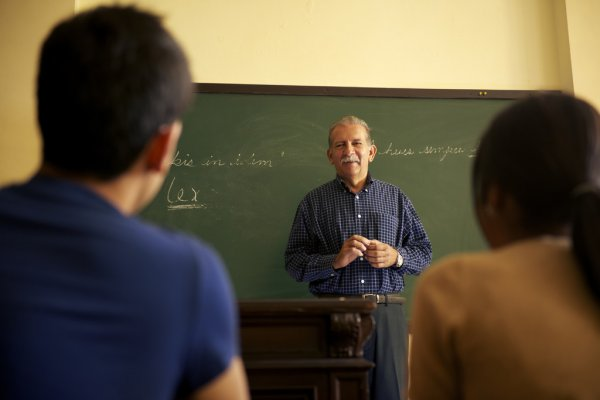 Photo of Firma de acuerdo Colegio de Abogados y Universidad INCE